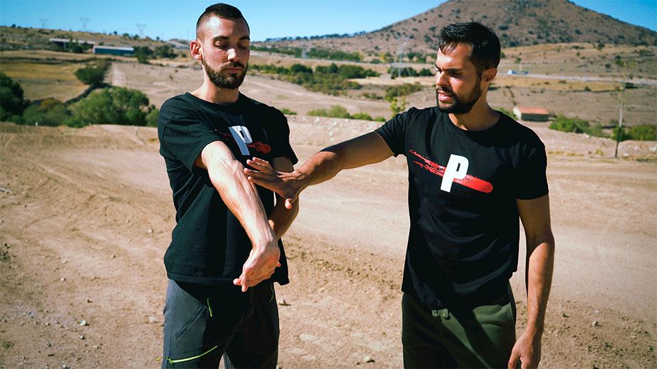 dolor-antebrazos-en-moto-solucion