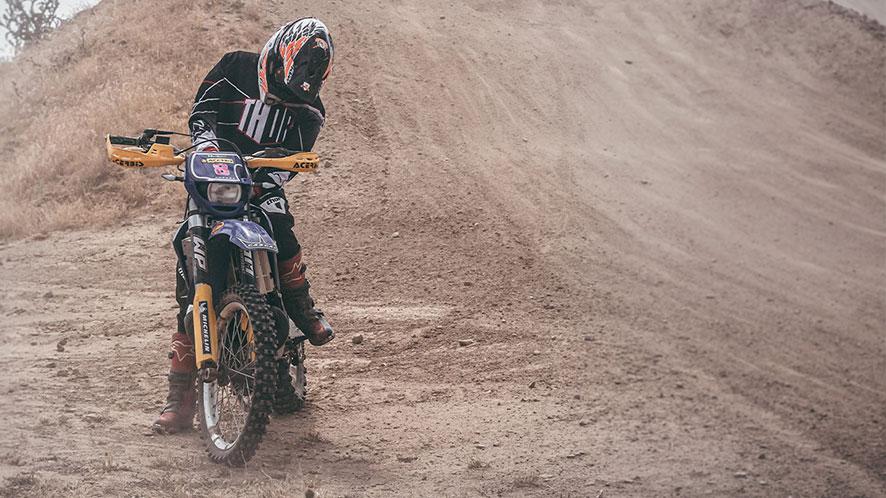 como enfrentar las lesiones de moto enduro y motocross powering offroad