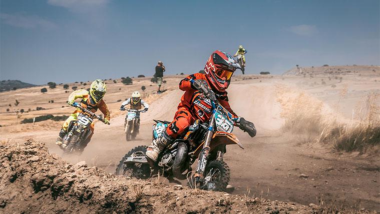 resistencia-para-motocross-mangas