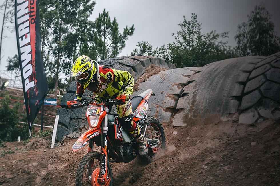agua de coco para deportes de moto y bici off-road como enduro y motocross