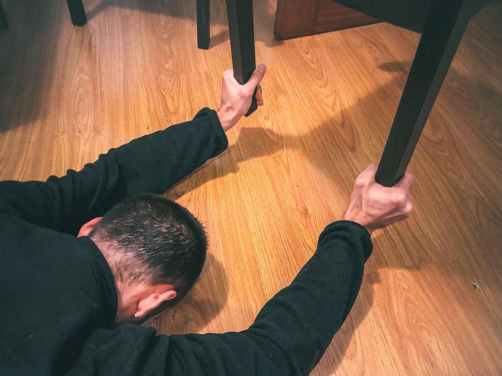 agarre de silla, ejercicios de antebrazos en casa fáciles