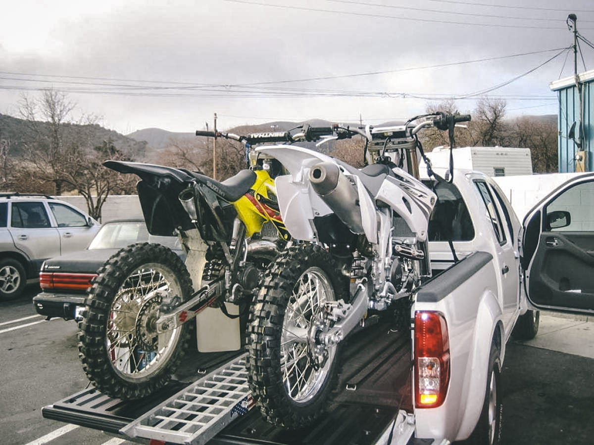 motos en camioneta
